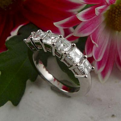 Gorgeous Diamond Rings For Engagement