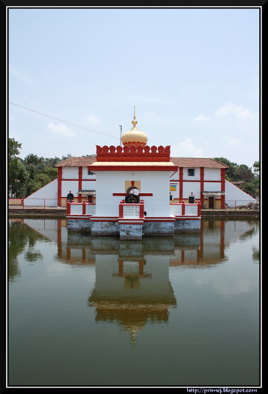 Temple Pond, Omkareshwara Temple, Madikeri