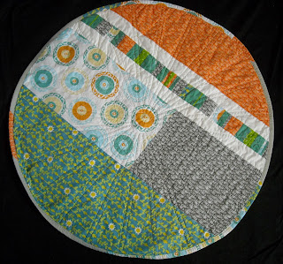 gender neutral, baby circle quilt, circle quilt, play mat, baby quilt, gender neutral quilt, boy or girl, baby blanket