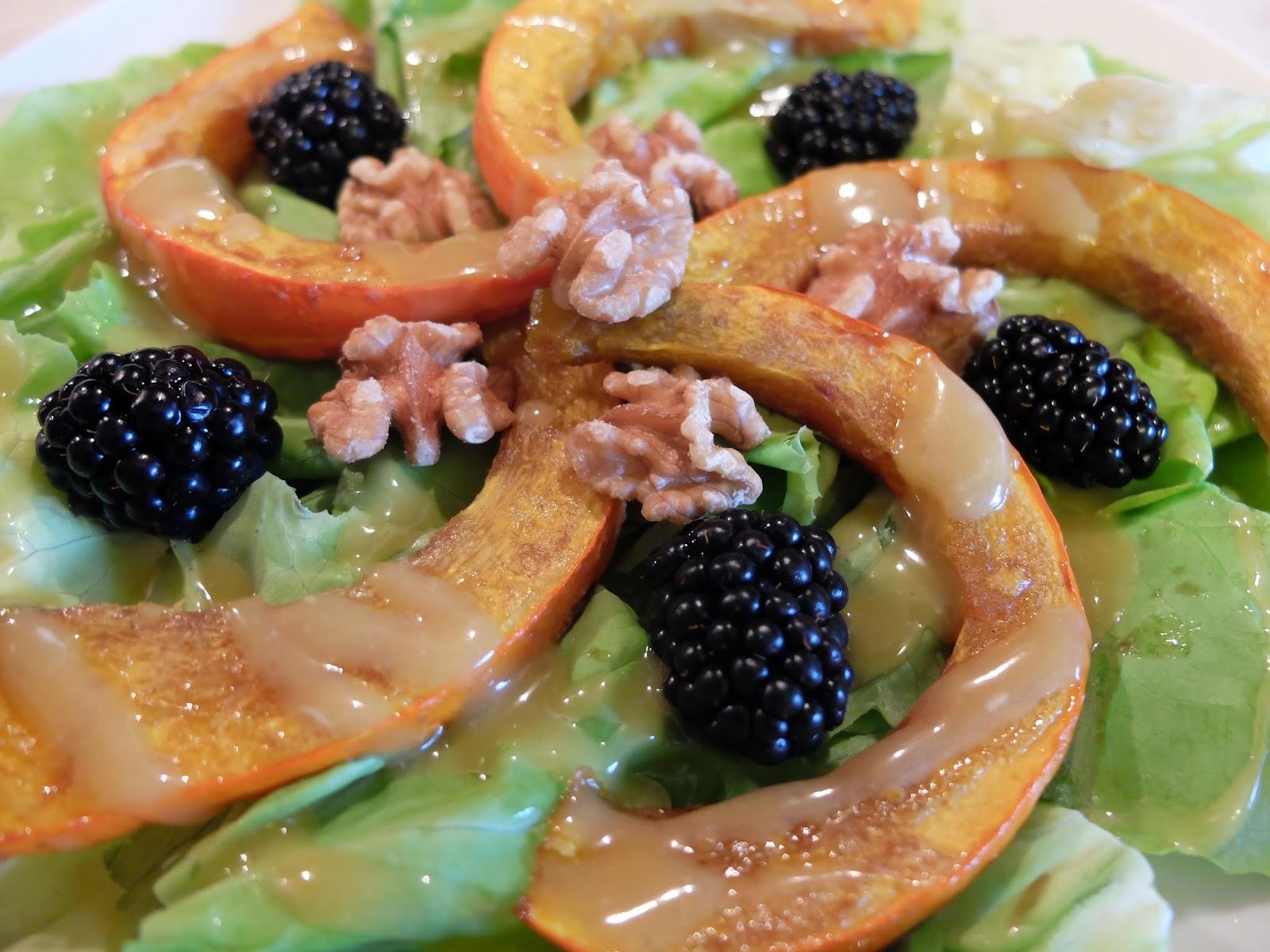 Kopfsalat mit Kürbisspalten vegan