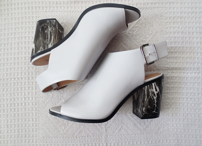 H&M marble-patterned grey sandals