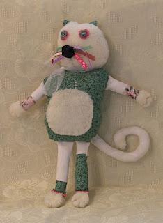 création d'une peluche chat vert et blanc pour enfants idéal cadeau de naissance tout l'univers créatif de mimi vermicelle