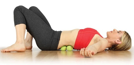 Relieve-the-Back-and-Sciatic-Nerve-Pain-with-Tennis-Ball