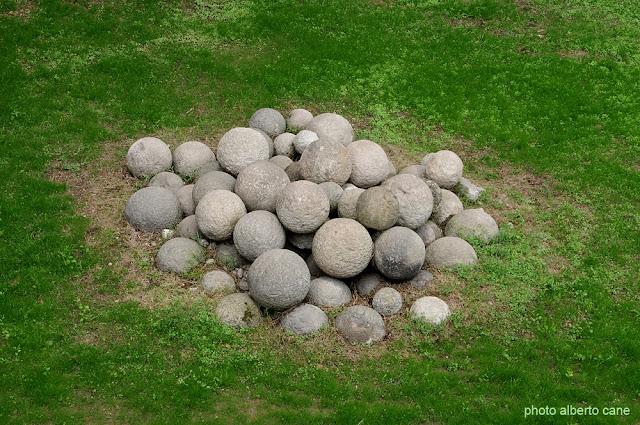 palle di cannone in pietra