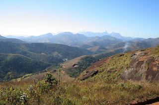 Vista da Trilha da Pedra da Tartaruga, no PNM Montanhas de Teresópolis