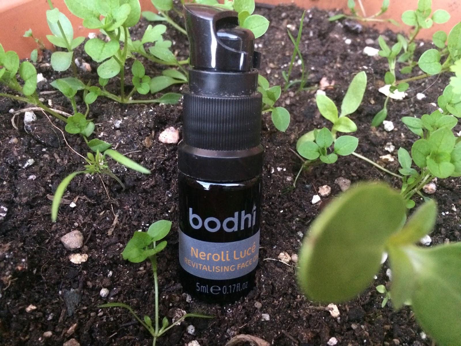 http://www.bodhi.uk.com/skincare/neroli-luce-revitalising-face-oil-detail
