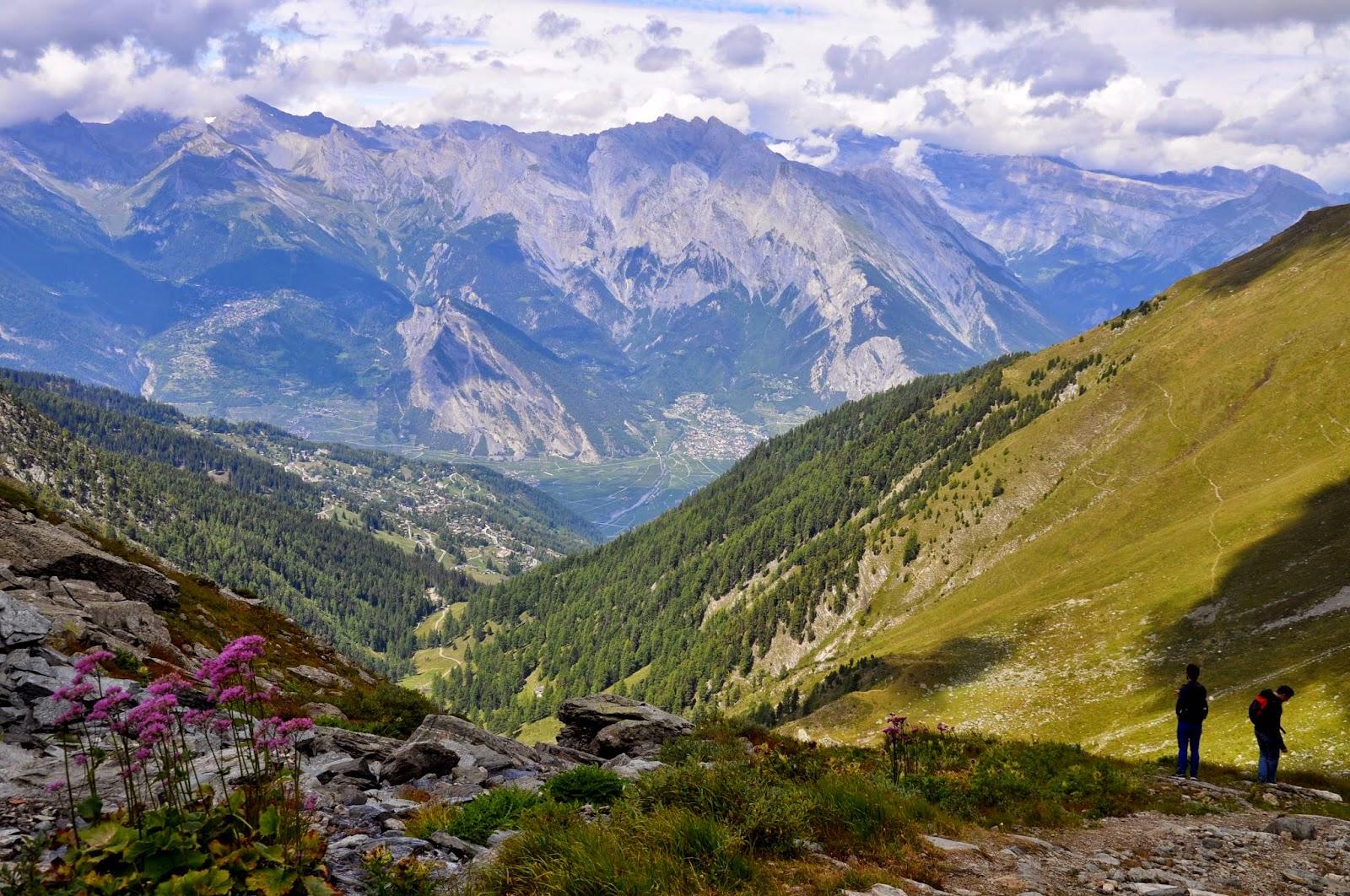 Vue de Verbier randonnée Col de Mines hiking andar