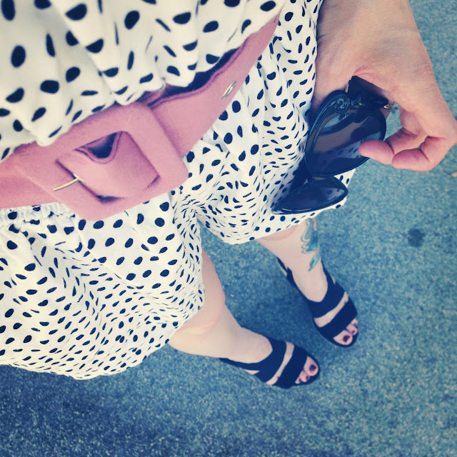 white and black polka dots / pink belt - catherine masi