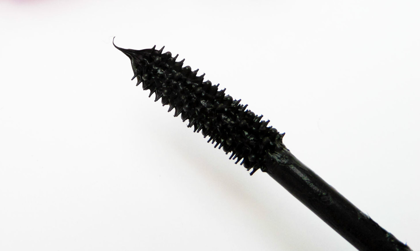 The Bourjois Volume 1 Seconde Mascara in Ultra Black Wand