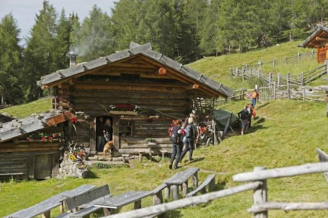 Die richtige Jause darf bei Ihrer Wanderung in Südtirol natürlich nicht fehlen...