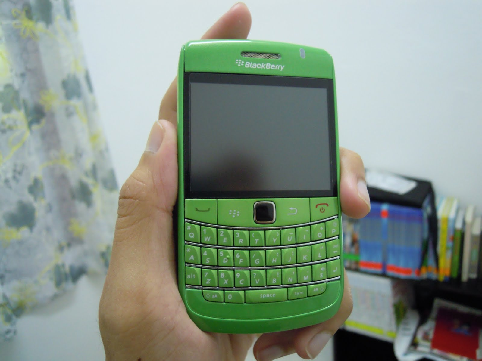 yujito accessories blackberry bold 9700 housing light green. Black Bedroom Furniture Sets. Home Design Ideas