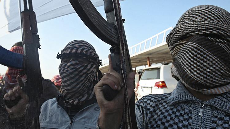 La Guardia Civil española detuvo hoy a dos personas en la ciudad de Gerona, Cataluña, por su presunta colaboración con una estructura permanente de financiación de la organización terrorista Estado Islámico