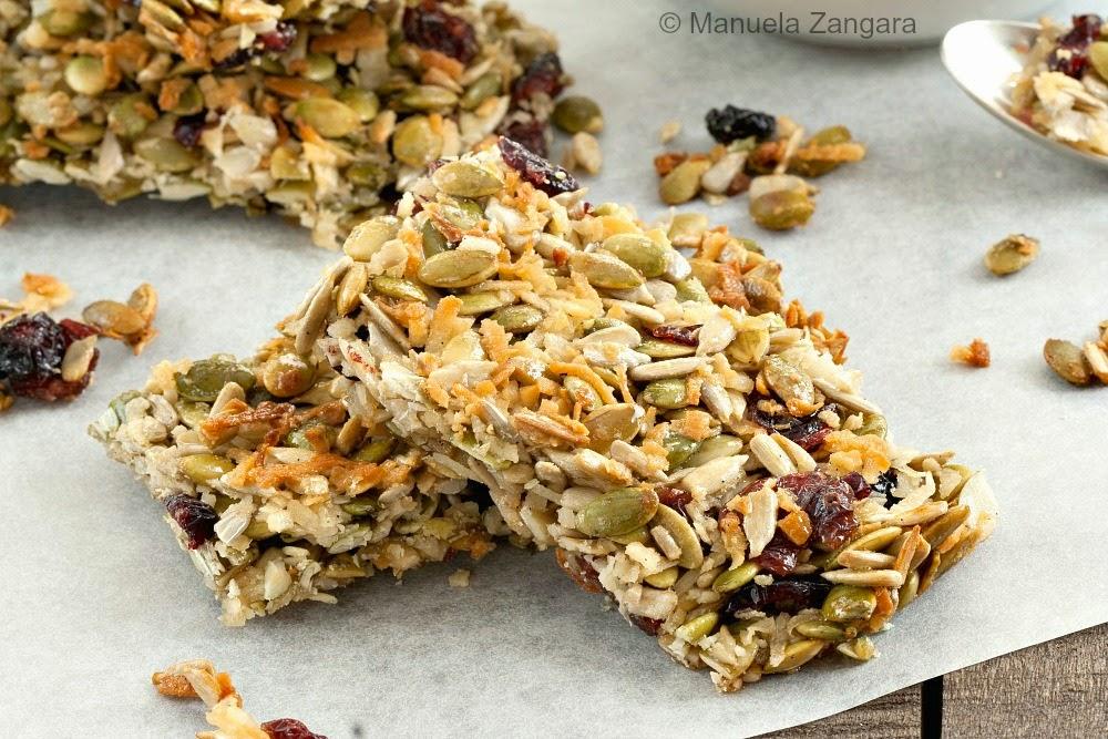 Featured Recipe | Seeded Cranberry Crunch Granola Bars from Manu's Menu #recipe #SecretRecipeClub #bars #snack