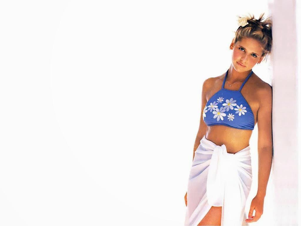 Sarah Michelle Gellar sexy