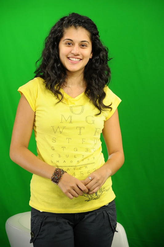 Actress Taapsee Stills Gallery hot photos