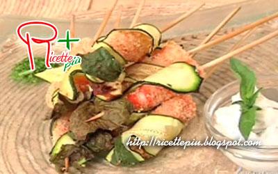 Spiedini di Gamberi e Zucchine con salsa di Erbe Aromatiche di Cotto e Mangiato