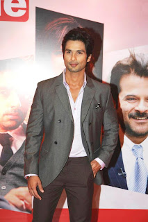 Actor shahid kapoor @ HTCafe Red Carpet