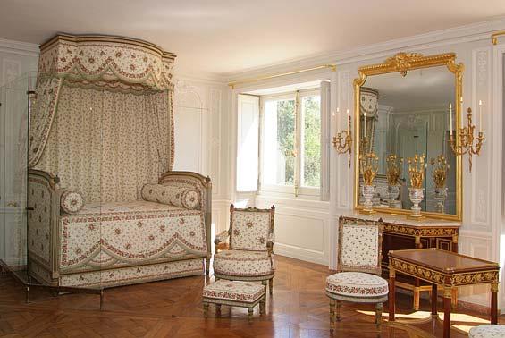 Les points suspendus juillet 2012 for Chambre de la reine versailles