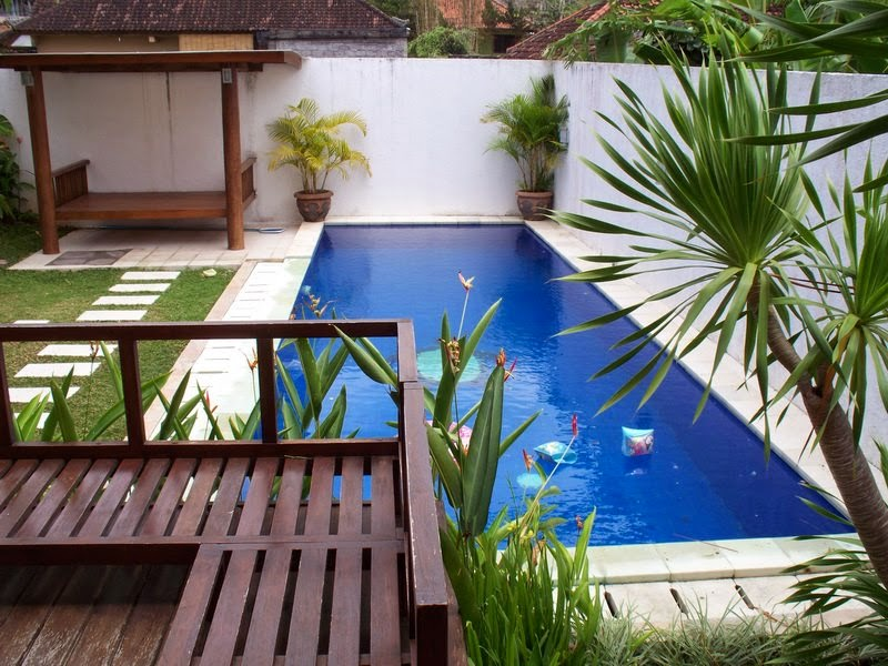 Simple swimming pool backyard design backyard design ideas for Simple small backyard ideas