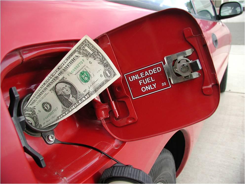 Niewidzialne procedury, kwity na benzynę czyli w oparach absurdu