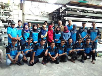 Team Sinar Makmur Group berpose diakhir acara coaching yang telah sukses diselenggarakan selama sepekan