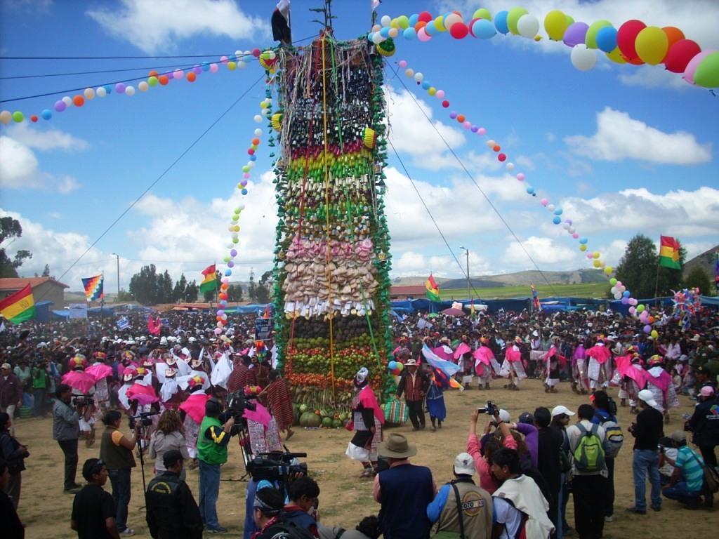 Resultado de imagen para carnaval de tarabuco - pujllay-