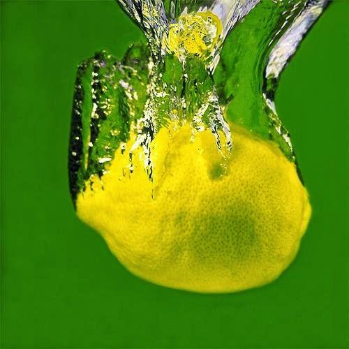 بماذا ينفع الليمون غير الطعام ؟ لن تصدق ما يمكنه فعله