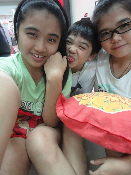 ♥ My sis , bro ,mii