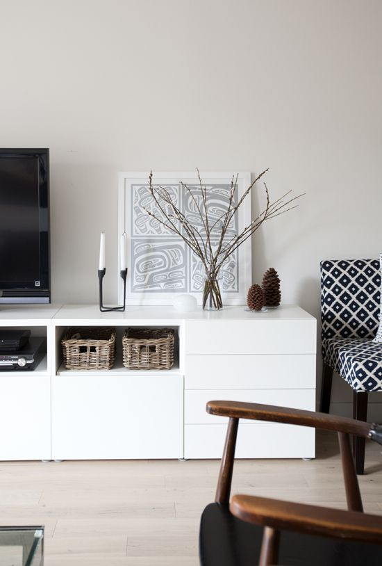 serie besta de ikea 100 estilo n rdico a buen precio blanco y de madera. Black Bedroom Furniture Sets. Home Design Ideas