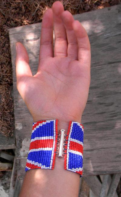 браслет из бисера флаг