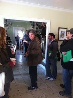 Director Raymond De Felitta addressing crew