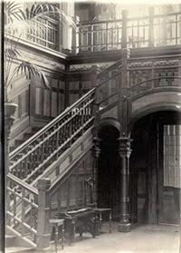 Trappan i entrén, bild från förr.