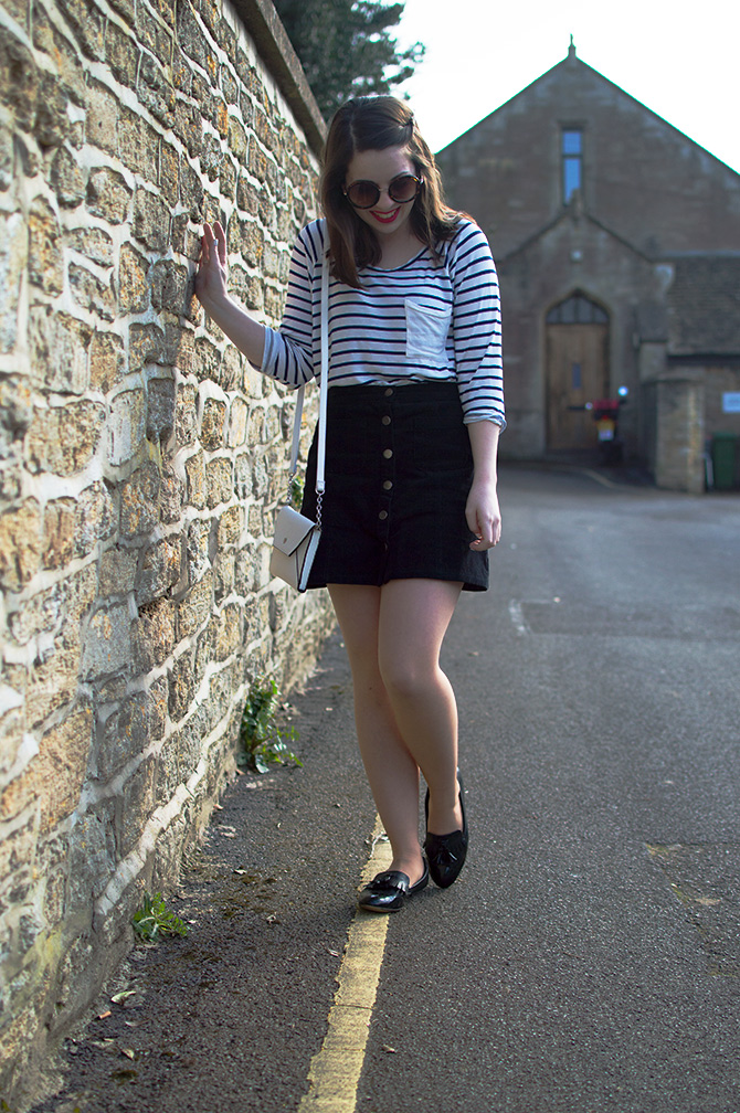 URBAN OUTFITTERS CORDUROY SKIRT OOTD