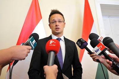 Szijjártó Péter, Victor Ponta, magyar-román kapcsolatok, diplomácia, Románia, Magyarország, menekültválság,