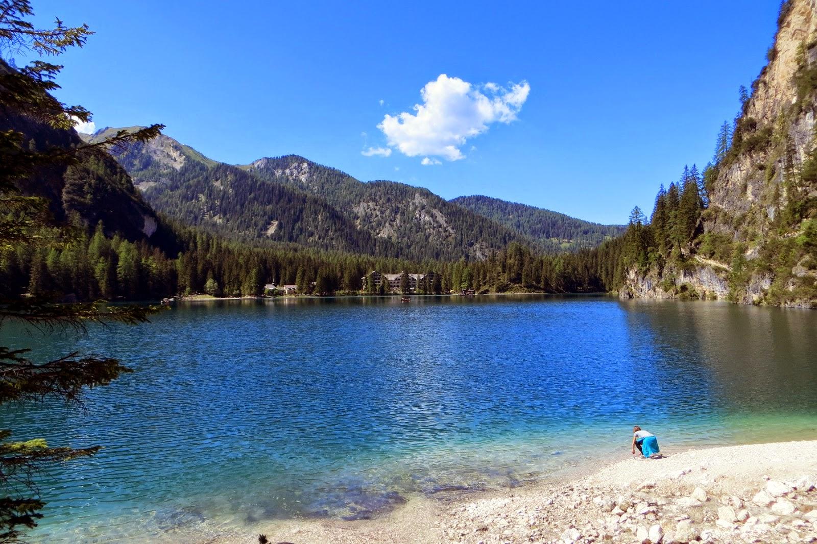 giro del lago di braies in val pusteria