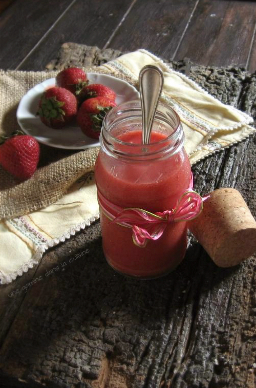 Strawberry Curd / une gamine dans la cuisine