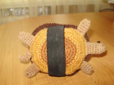 вязание крючком, вязаные игрушки, мои работы, полезные мелочи, игольница