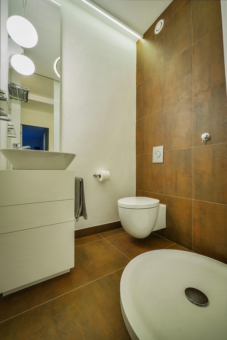 Bathroom in the Penthouse Apartment in Ramat HaSharon, Israel