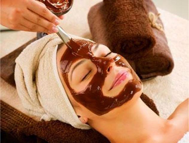 ماسك الشوكولاتة الطبيعي لعلاج مشكل شيخوخة بشرة الوجه