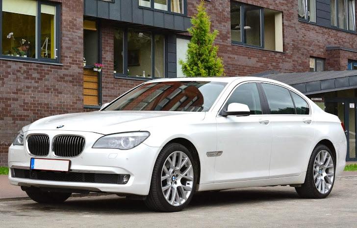 Balti arba juodi 2012m. BMW 7, BMW X5, BMW X6 vestuvėms