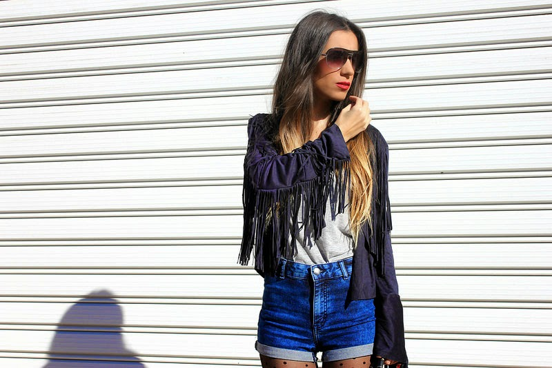Chaqueta Sheinside; shorts H&M Divided; medias, zapatos Primark