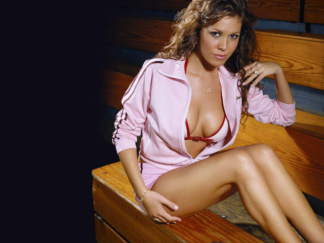 Nikki Cox  sexy in swimwear
