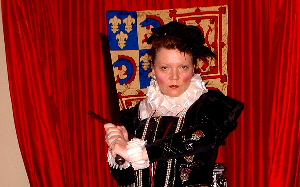 Lesley Smith as Elizabeth I