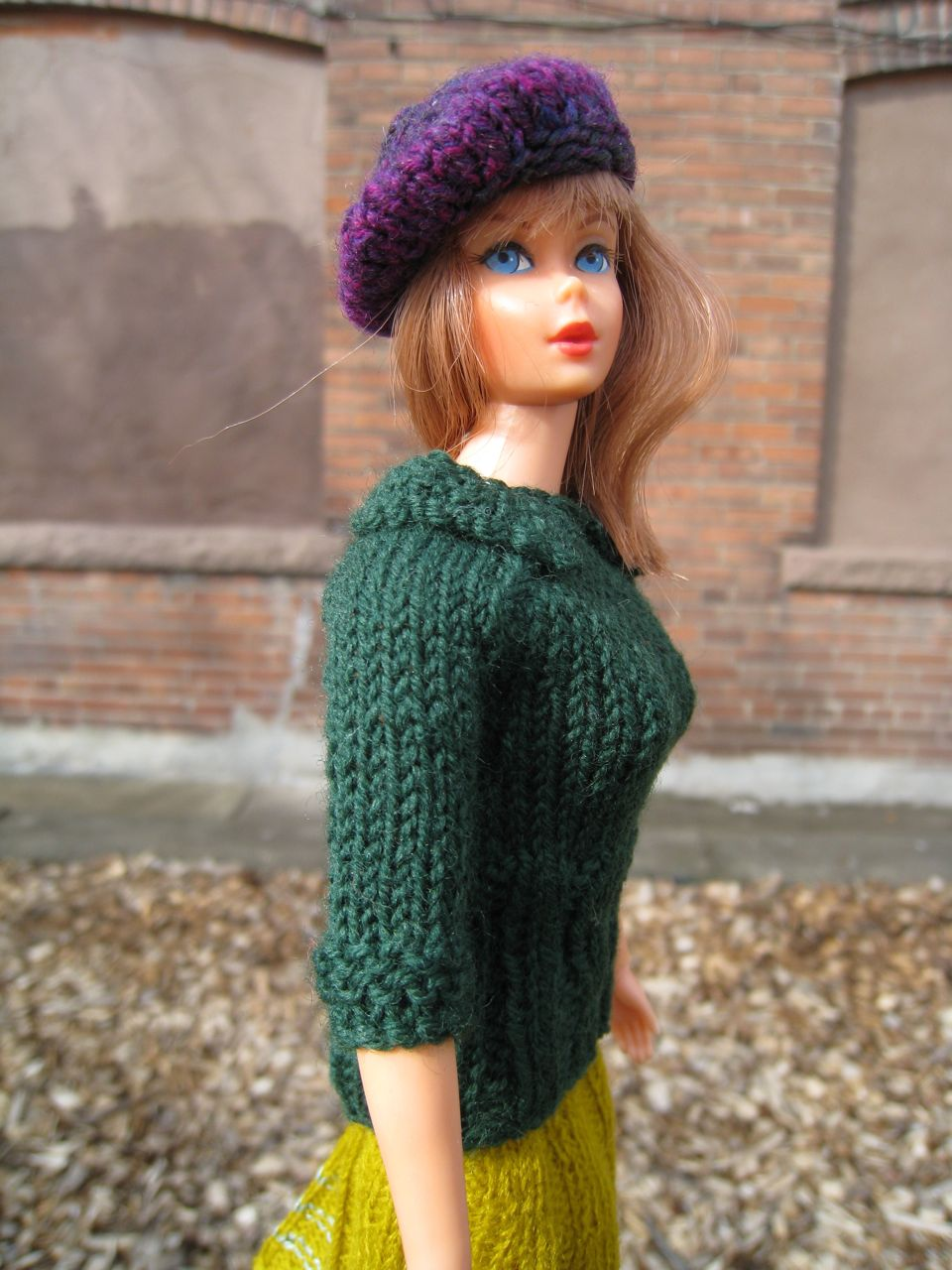 Free Knitting Patterns For Barbie : Best Barbie Knits: New Barbie Knitting Pattern
