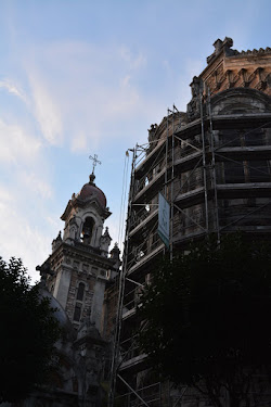 Comienza el andamiaje de la Basilica de San Juan cuya decoración exterior amenaza desprenderse