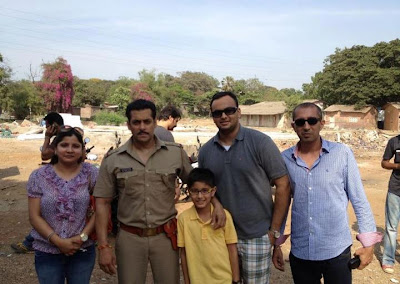 Salman Khan on location photo shoot with fans
