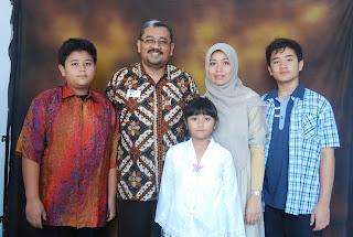 Hadi Ismoyo dan Keluarga