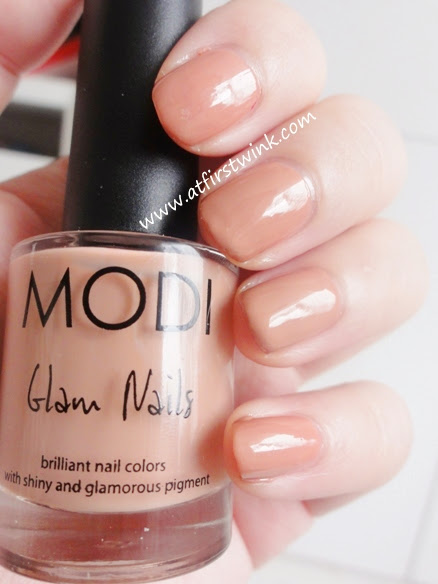Modi Glam Nails nail polish no. 3 - Milky Coral