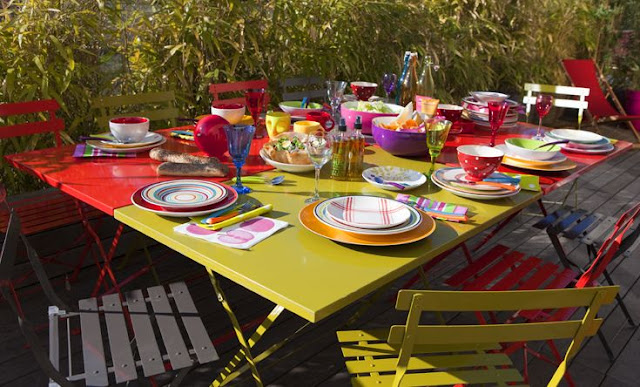 Mobilier de jardin color dekobook - Mobilier jardin rouge besancon ...