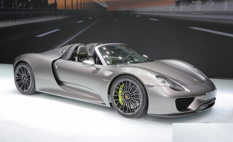 libell s porsche porsche 918 spyder porsche 918 spyder 2015. Black Bedroom Furniture Sets. Home Design Ideas